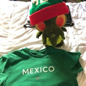 Nike Mexico bundle